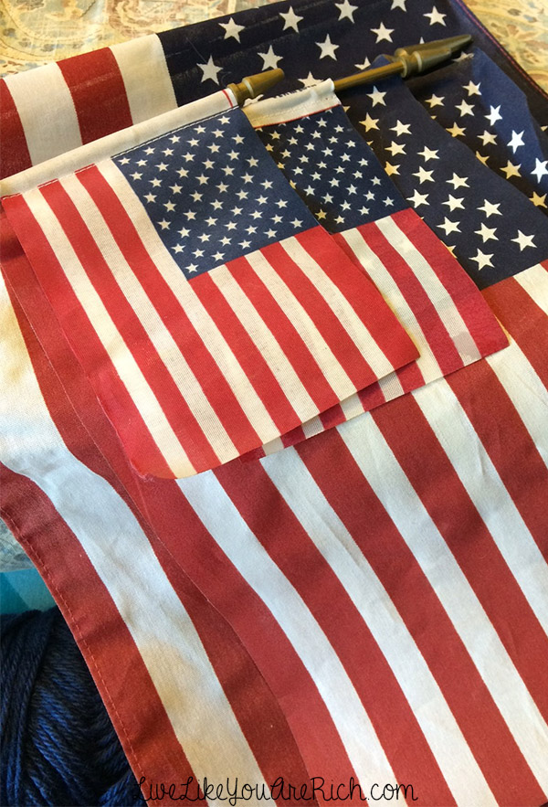 How to Make an American Flag Easy No-Sew Banner
