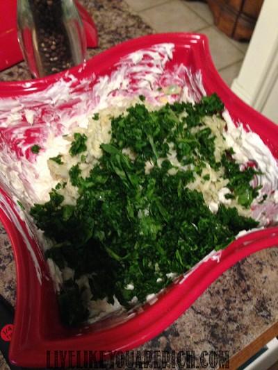 Crowd-Pleasing Spinach Artichoke Dip Recipe