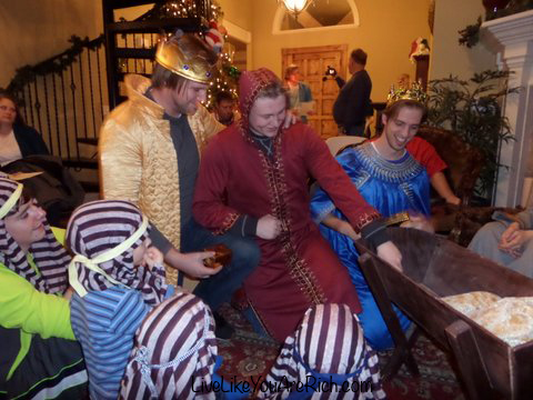 How To Put on a Christmas Nativity Play at Home