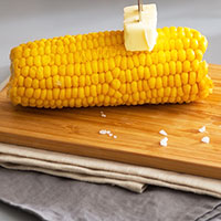 How to Quickly Make Corn on the Cob without Boiling Water