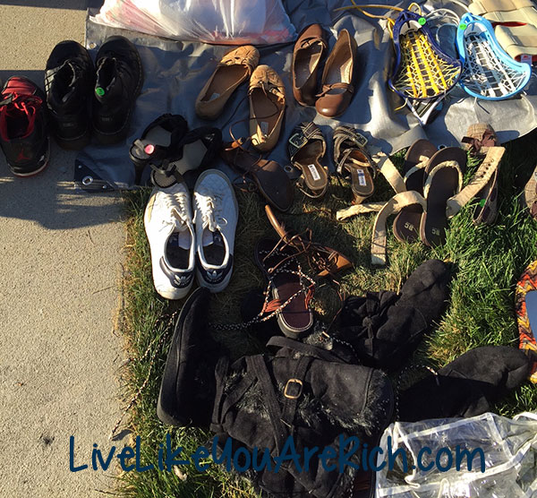 How to Host a Successful Garage/Yard Sale