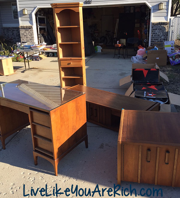 how to host a successful garage yard sale