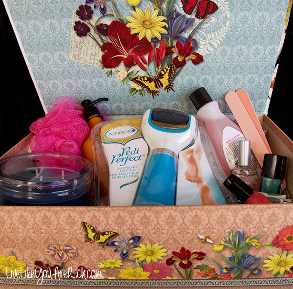 DIY Deluxe Pedicure Gift Box