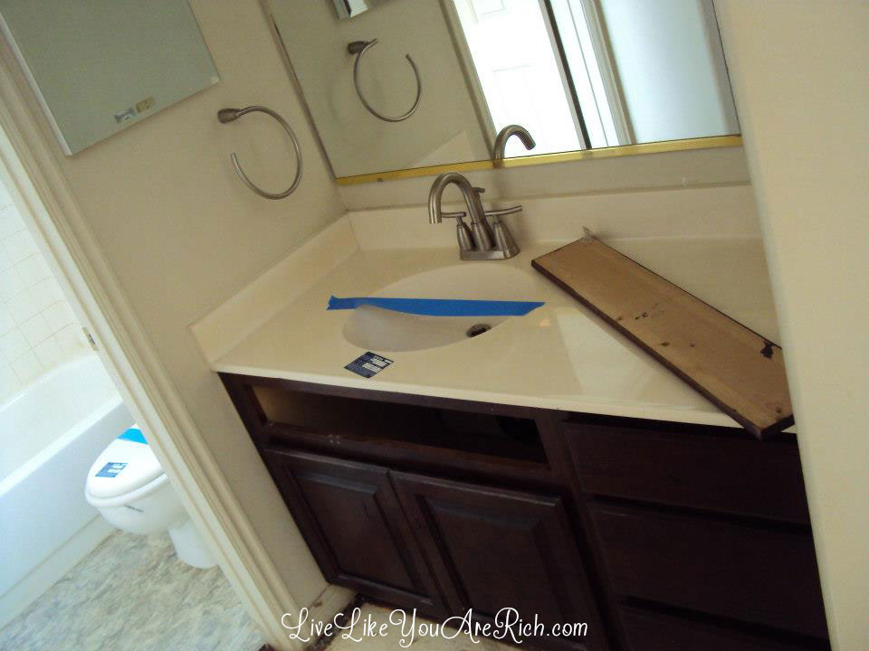 How to Save Money Renovating a Bathroom