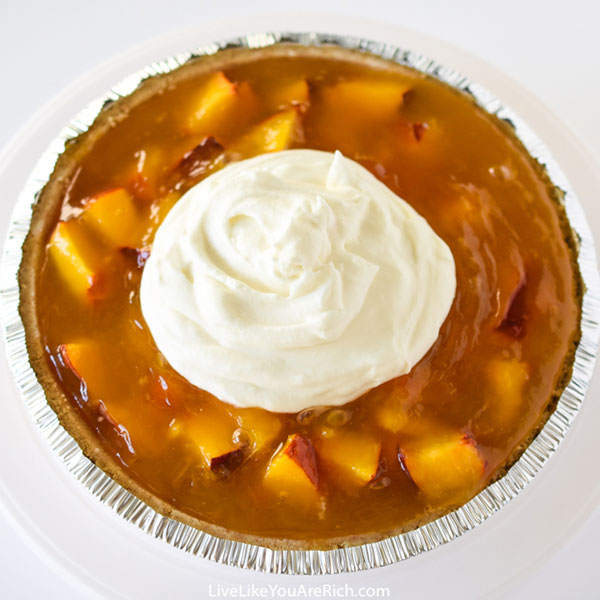 Aunt Elva's Famous No-Bake Peach Pie