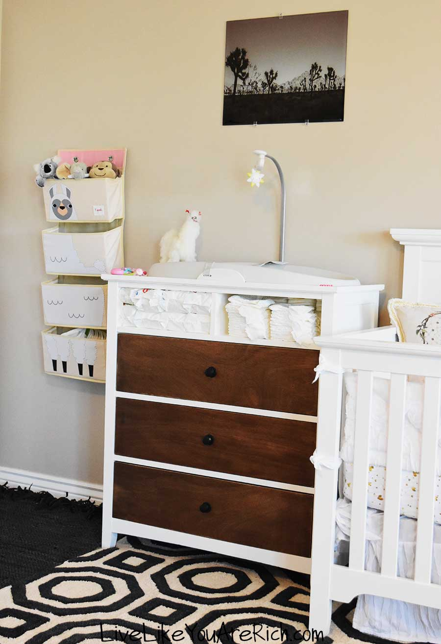 changing table station nursery 2019