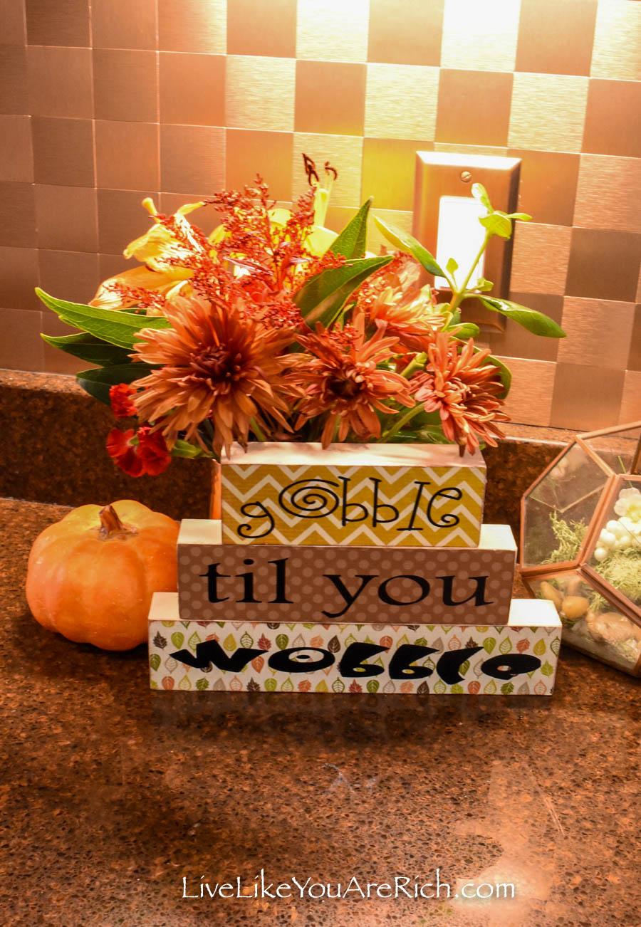 Easy Thanksgiving home decor craft