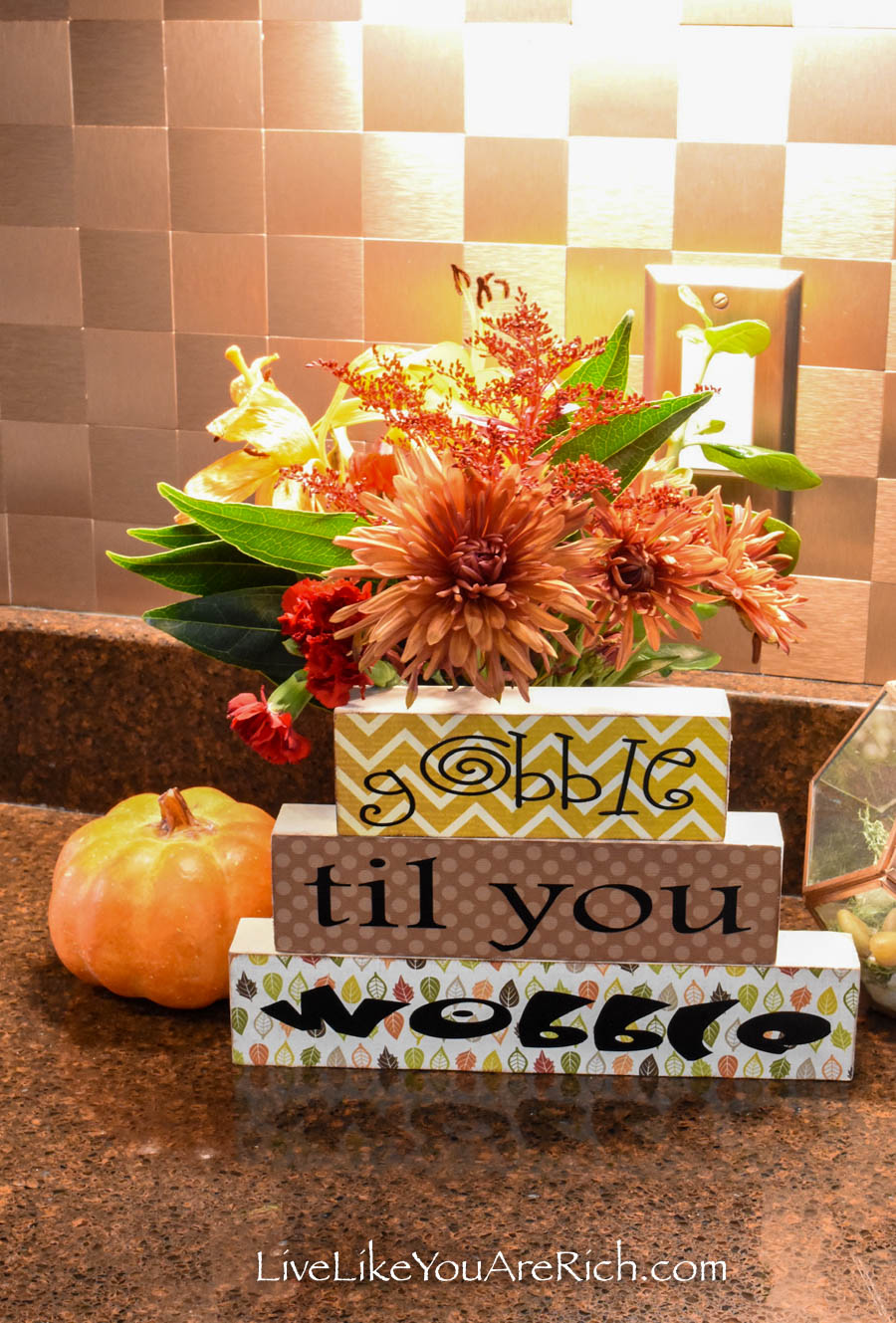 This is a Wood Block Thanksgiving Craft home decor