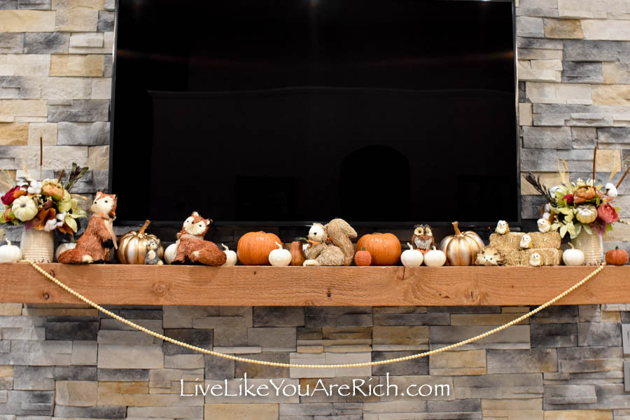 This Harvest Mantel Thanksgiving Decor is easy to put together.