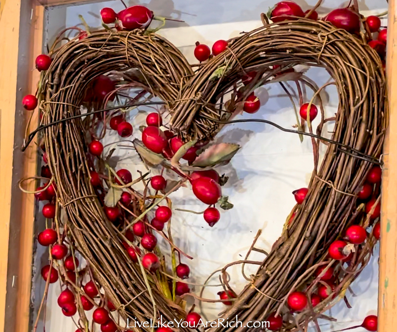 Arrange berries in a Vintage Frame