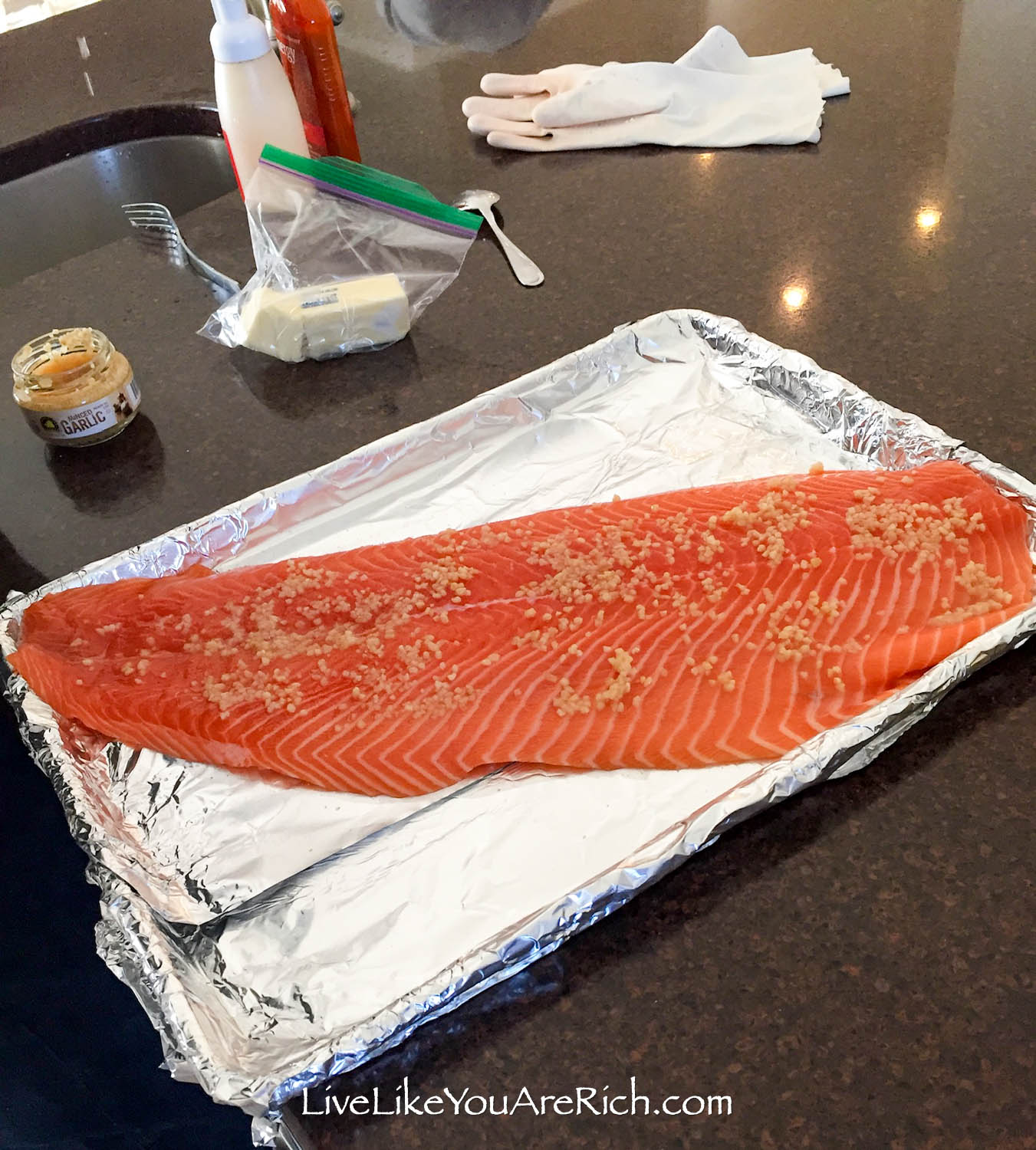Salmon with minced garlic