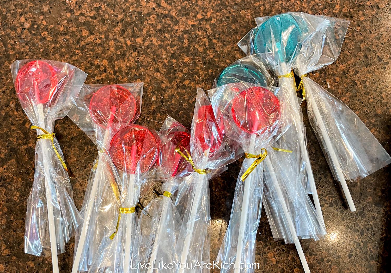 Nicely wrap homemade lollipops